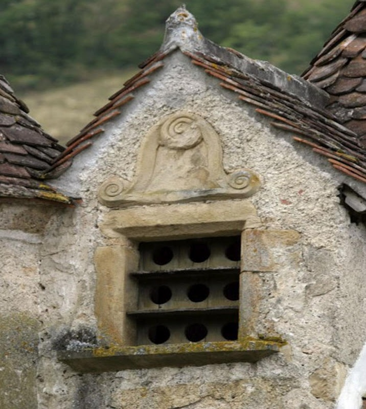 17 best images about antique dove cote on pinterest for Dove bird house