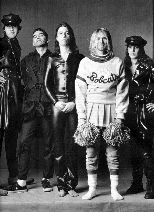 La mejor formación que tuvo Nirvana, fue para la ultima gira de In Utero. (Kurt Cobain, Krist Novoselic, Dave Grohl, Pat Smear, Lori Goldston)