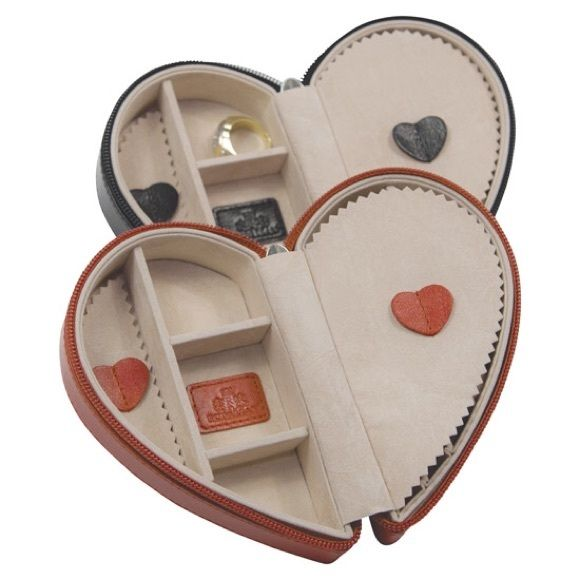 """Heart Shaped His and Hers Travel Jewelry Boxes Really cute """"his &hers"""" jewelry boxes. Magnetic bottoms so they stick together Jewelry"""