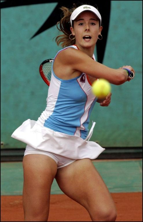 Junior tennis upskirt