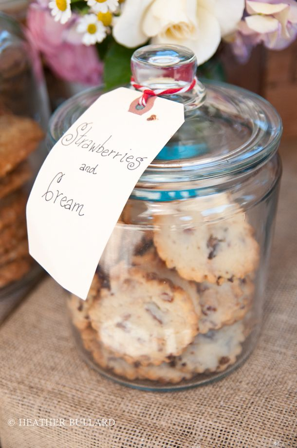 cute for cookies at M's farmer's market stand. plus mom can use them after she's done.