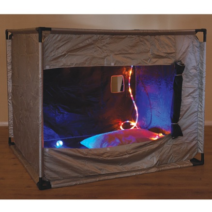 Oh what i would do to have a dark den in my classroom. Perfect for discovery and relaxation.... heck, i want one a home :)