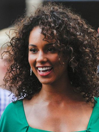50 Hairstyles for Frizzy Hair to Enjoy a Good Hair Day Every Day