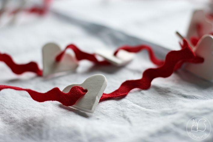 Oravanpesä | DIY: Ilmakuivuvasta massasta sydänkoristenauha