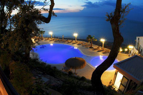 Hotel Tramonto, Rodi Garganico, FG, Puglia, Italy. http://meditour.it/properties/rodi-garganico/hotel-tramonto/