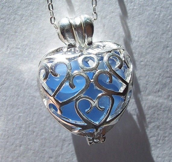 Love Locket SKY BLUE Heart Filigree Sea by BeachGlassMemories, $23.50Heart Lockets, Glasses Jewelry, Glass Jewelry, Necklaces Beach, Glasses Heart, Beach Glasses, Lockets Necklaces, Heart Necklaces, Sea Glasses