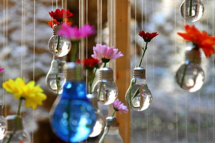 Мастер-класс: что можно сделать из лампочки   http://idesign.today/dekor/master-klass-chto-mozhno-sdelat-iz-lampochki