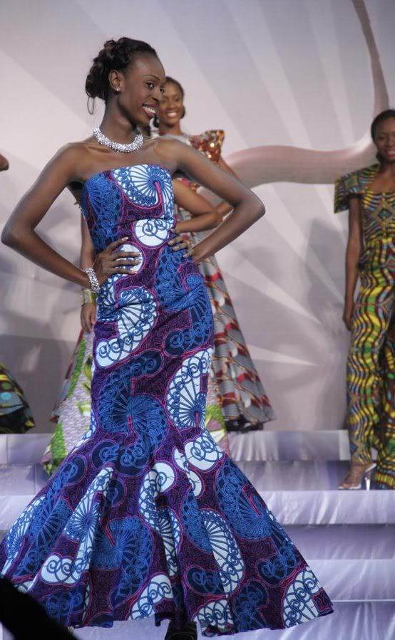 http://nigeria.mycityportal.net - Vlisco was an official sponsor for the Miss Nigeria 2011 contest. The finalists were dressed in Vlisco evening gowns made with fabrics from the 'Delicate Shades' collection. Vlisco evening gowns made with fabrics from the 'Delicate Shades' collection