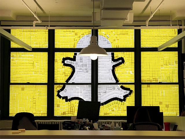 Slideshow : Rival firms in New York wage war using Post-it notes! - Rival firms in New York wage war using post-it notes! - The Economic Times