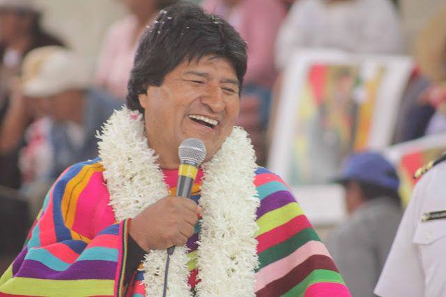 """Evo Morales: """"¿El fin del mundo? Mejor, el fin de los muros""""  http://noticiasdesdebolivia.blogspot.com/2017/09/evo-morales-el-fin-del-mundo-mejor-el.html?spref=tw #Evo #Política #Bolivia"""