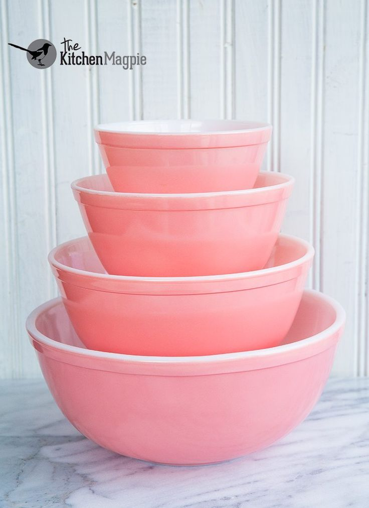 Vintage Pyrex pink mixing bowl set. Vintage Pyrex Cosmopolitan Hot Plate that matches the casserole. From @kitchenmagpie's personal collection. Click the pic to see her entire vintage glass collection!