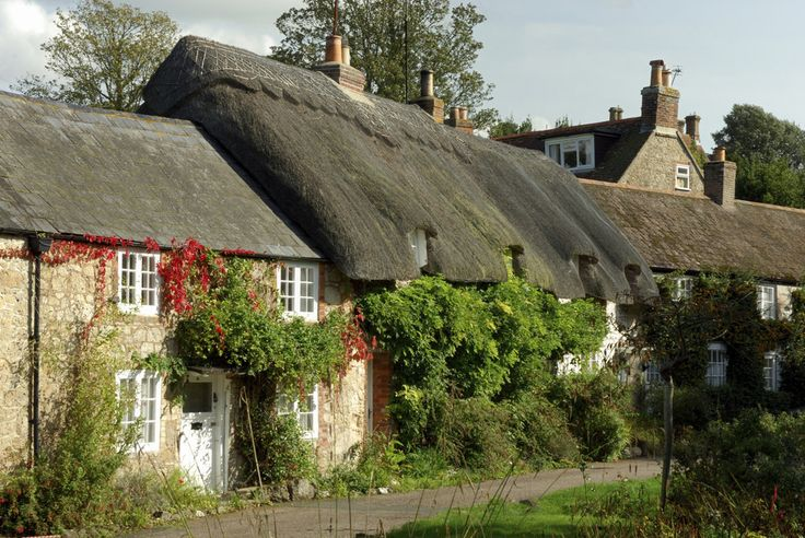 The villages are something out of a storybook. | 34 Photos That Prove The Isle Of Wight Is The Most Wonderful Place On Earth