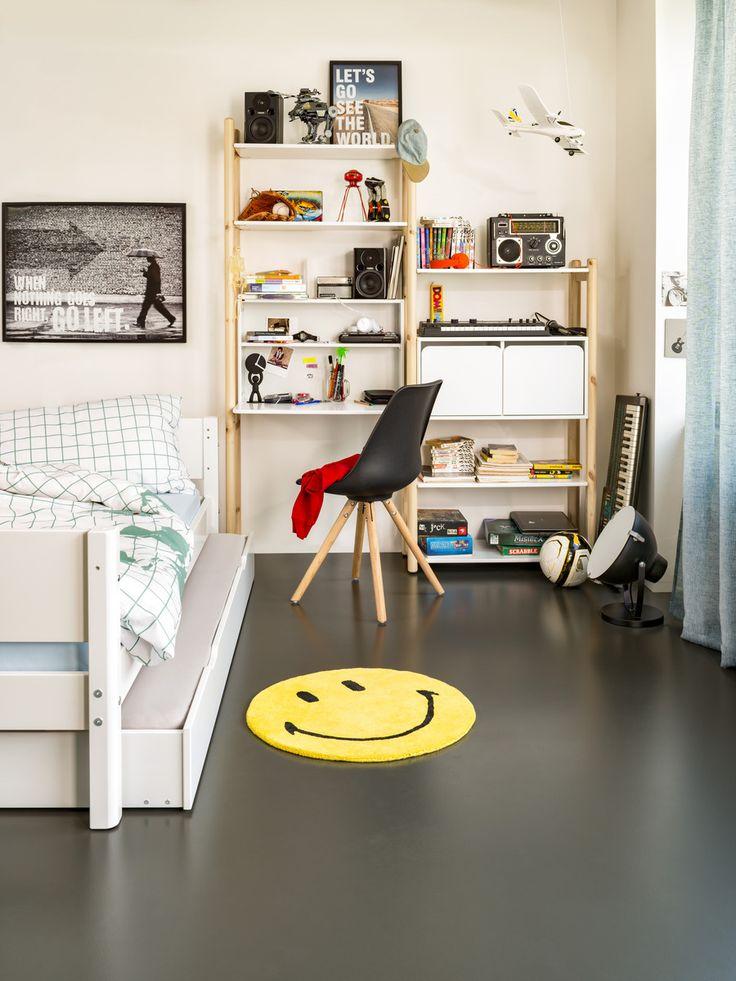Micasa Kinderzimmer mit Regalkombination aus dem Programm FLEXA SHELFIE