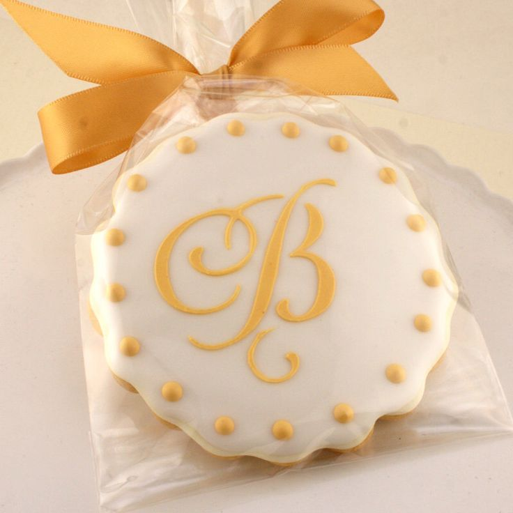 Monogrammed Cookies for Wedding, Anniversary, Birthday Party - 12 Decorated Sugar Cookie Favors by TSCookies on Etsy https://www.etsy.com/listing/206657632/monogrammed-cookies-for-wedding