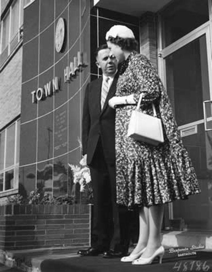 Queen Elizabeth's visit with Dartmouth Mayor Creed Hollis in 1959 .