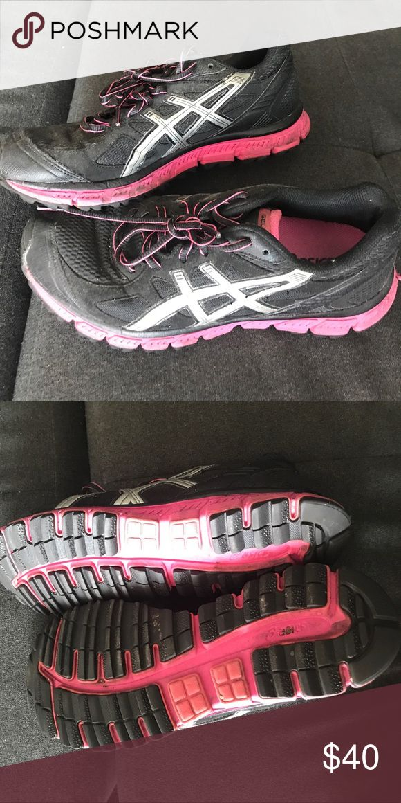 Pink and Black Asics Running Shoe - Size 8 Pink and Black Asics Running Shoe - Size 8 - Super Comfortable - Excellent Condition Sneaker Asics Shoes Sneakers