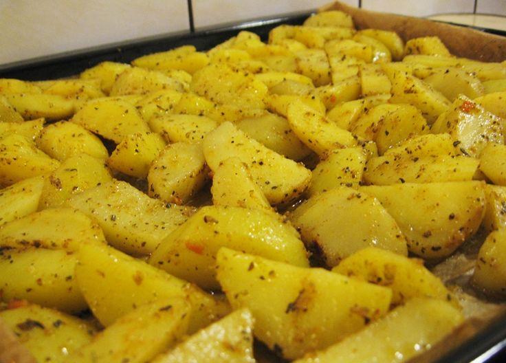 Cartofi aurii cu cascaval la cuptor