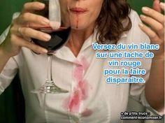 Il existe une astuce surprenant pour faire partir une tache de vin rouge. Le truc inédit est de verser immédiatement du... vin blanc sur la tache. Regardez :-)  Découvrez l'astuce ici : http://www.comment-economiser.fr/solution-inedite-nettoyer-tache-vin-rouge.html?utm_content=buffer5750a&utm_medium=social&utm_source=pinterest.com&utm_campaign=buffer