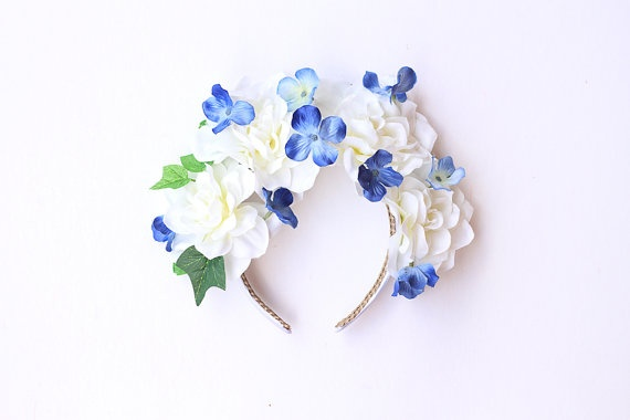 one of my favourites <3 white flower crown headband  // oversize wedding by kisforkani