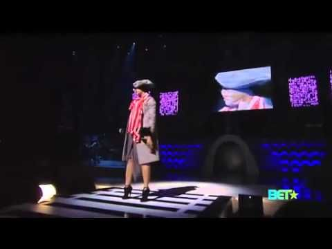 "Erykah Badu - ""Window Seat"" 2010 Soul Train Awards - YouTube  Prechoreographed animations working with performer."