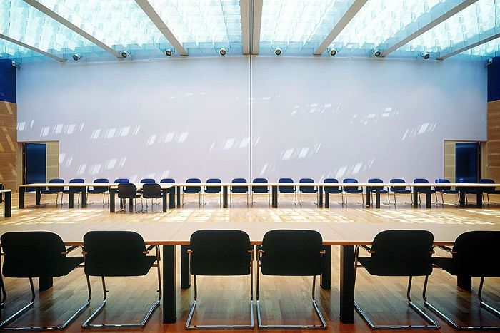 Willy Brandt Haus, Berlin: Konferenzräume | Wilkhahn FS Chair and Palette Conference table