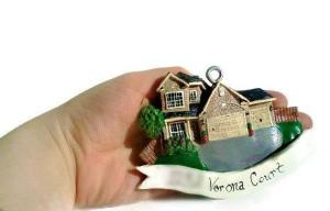 An article on HilliaryCustomLiving - Custom House ornaments and more