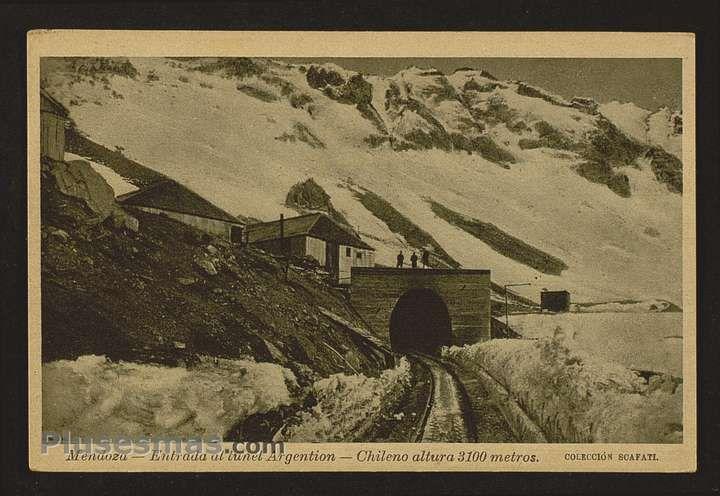 El viejo túnel trasandino en  Las Cuevas, Mendoza