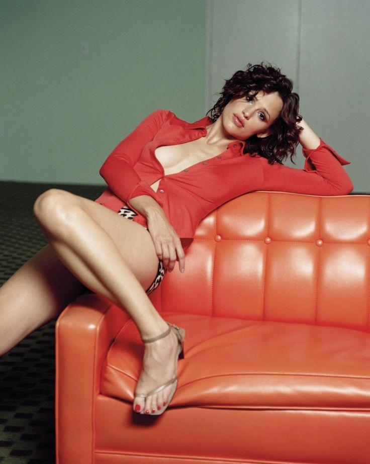 Jennifer Garner, hot legs.