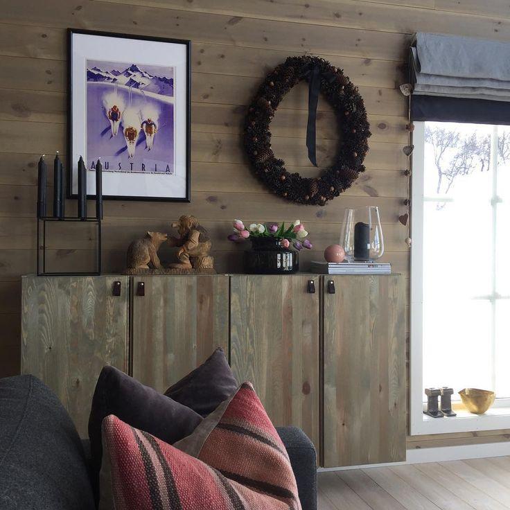 """102 likerklikk, 11 kommentarer – Nordisk Stil Interiør 🌿 (@nordisk_stil) på Instagram: """"Nytt bilde på plass - hva synes dere? 🌿 #hytteliv #hyttemagasinet #ikeahack #ivarikea #rauland…"""""""