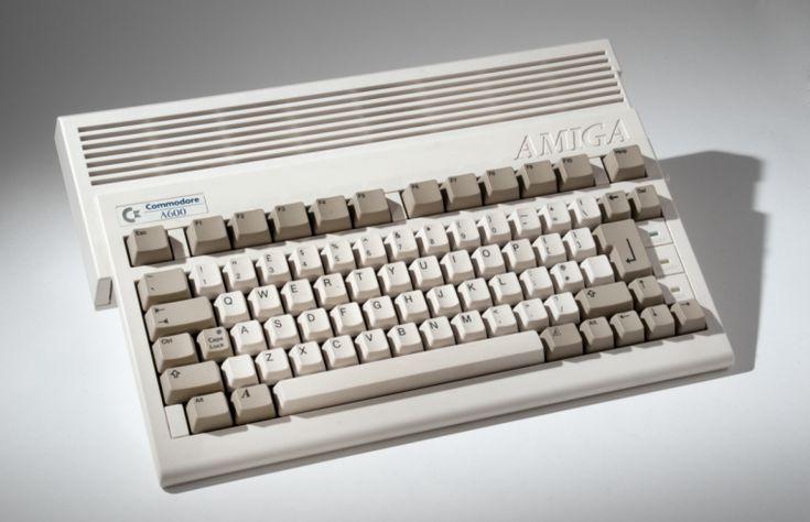 Commodore Amiga A600 games console