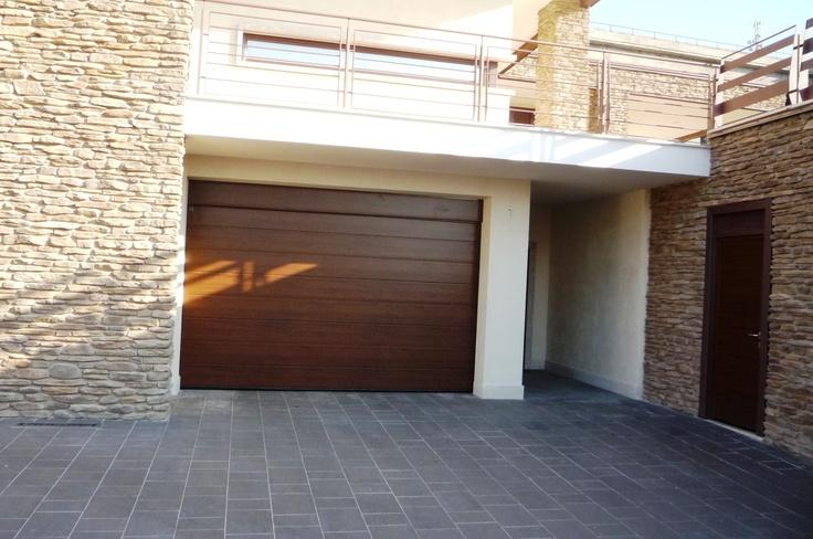 Porta da garage sezionale grecato Decograin effetto legno