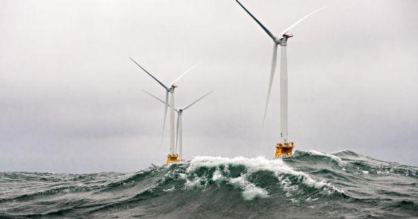 First U.S. Offshore Wind Farm Shutters Diesel Power Plant