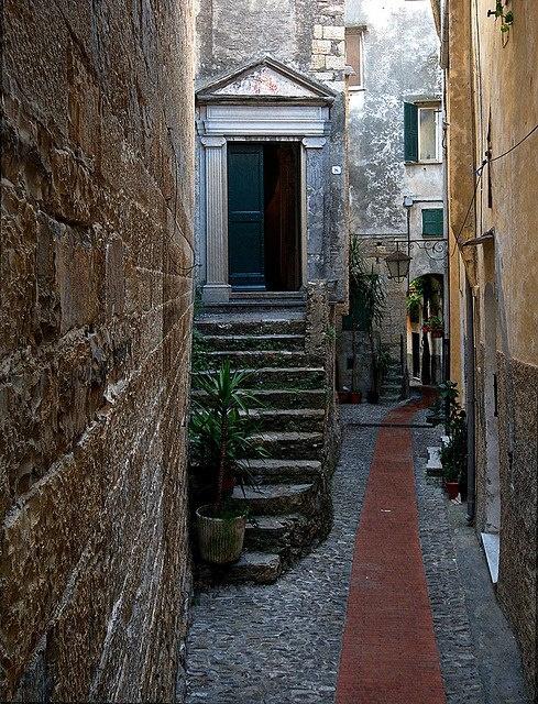 Carrugi in Cervo - Liguria