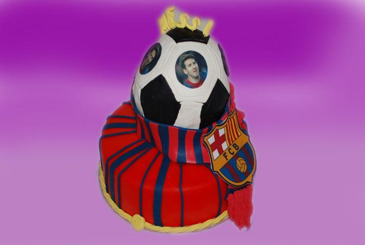 En annen måte å hedre fotball laget på? Fotballen lages kun som sjokoladekake med bellakakers smørkrem.Ta kontakt for mer info på post@bellakaker.no eller ta en titt på websiden min www.bellakaker.no