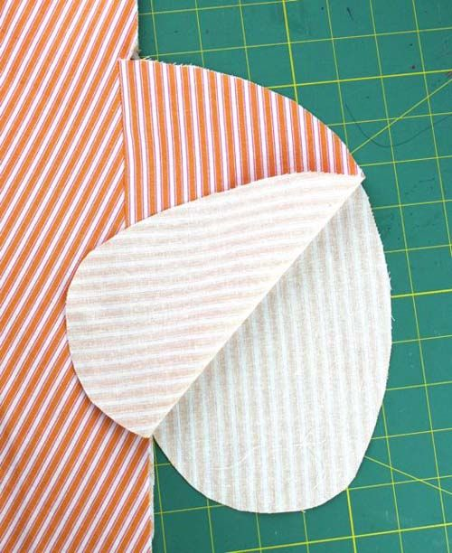 In-Seam Pockets with French Seams: Sewing with Deborah Moebes (from: http://www.sewmamasew.com/2013/07/in-seam-pockets-with-french-seams-sewing-with-deborah-moebes-2/ )