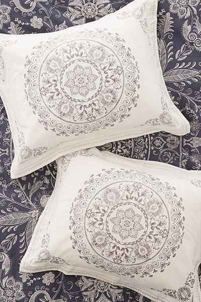 Best 25 Bohemian Pillows Ideas On Pinterest Boho
