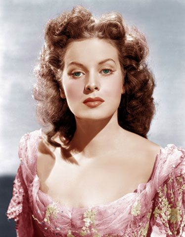 The Best Redheads Ever: A Timeline - 1947: Maureen O'Hara  Born in Ireland. Performed her own stunts. Tough broad - Esquire: