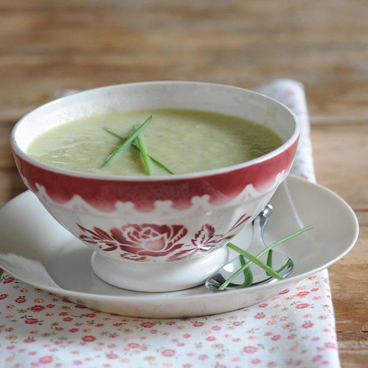 Découvrez la recette de la soupe de poireau et d'endive