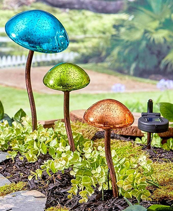 The Lakeside Collection Set Of 3 Mushroom Garden Lights Solar Lights Garden Mushroom Lights Solar Landscape Lighting