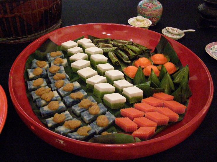 A modest array of nyonya kuih served at the talk