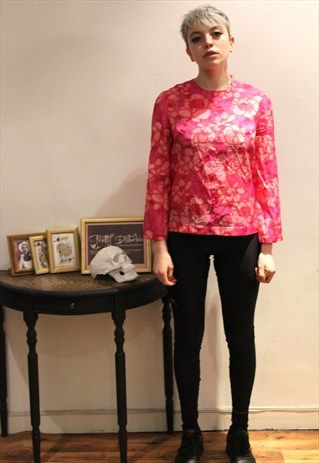 £18.00...1970's Vintage Hot Pink Floral Blouse Bright/   This is a gorgeous handpicked vintage item by Pretty Disturbia, perfect to wear day or night. It can easily be dressed up or down!   FABRIC: Polyester  DETAIL: Hot Pink, Light pink,Blouse, Sweater, Floral print, Buttons on front, full length zip on back, Polyester, long Sleeve  STYLING- Our PD stylists would wear this unique top with skinny jeans with killing heels  accessorise  with a little shoulder bag, Black leggings and converse…