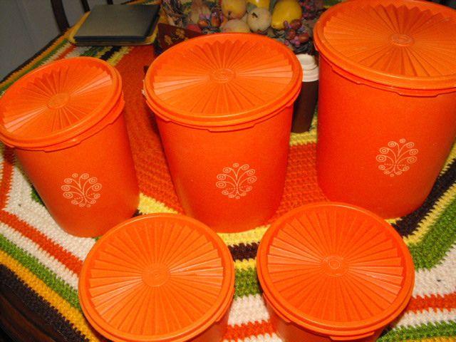 tupperware!Remember, Canisters Sets, Wedding Gift, Childhood Memories, Growing Up, Tupperware Canisters, Vintage Things, Orange Tupperware, Mom