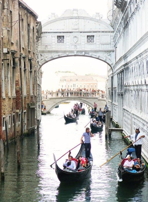 The Top 10 Touristy Attractions in Venice, Italy, that you simply HAVE TO SEE!!  Of course number one on your list of 'Things to do in Venezia' would of course be to watch the glorious Gondolas pass by under the Bridge of Sighs!  Click the photo to see which other items should be on your bucket list!