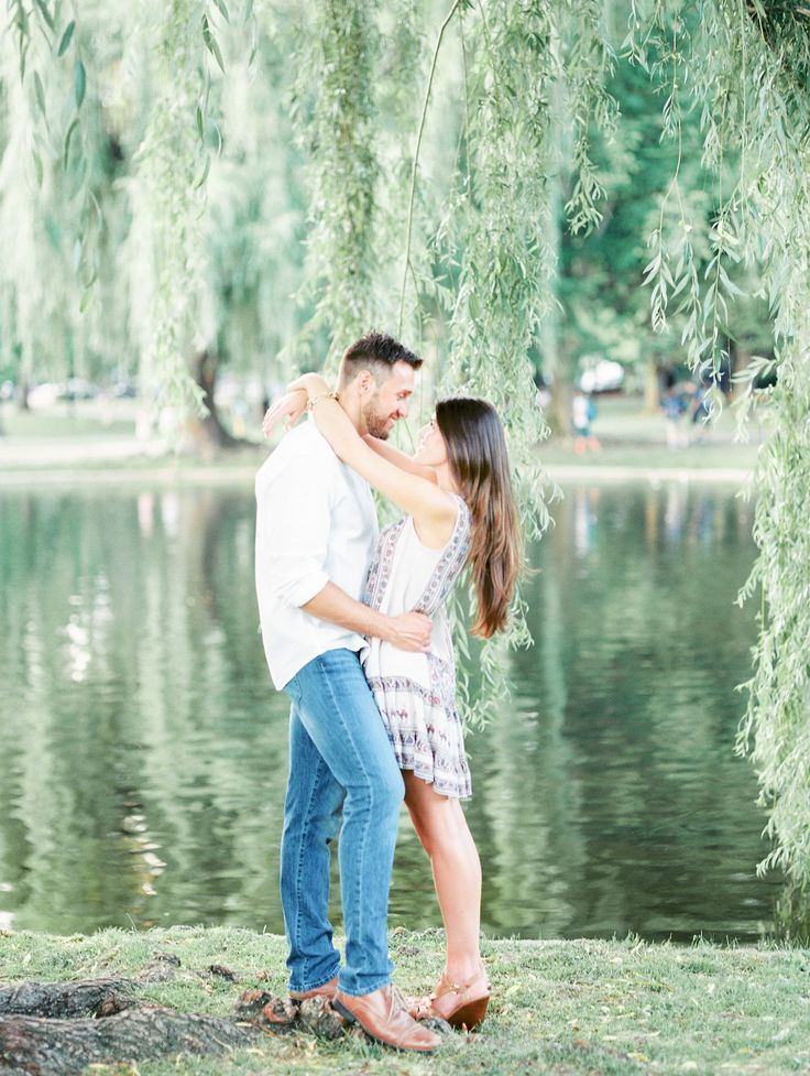 Boston Engagement Photos | Elizabeth LaDuca Photography | Reverie Gallery Wedding Blog