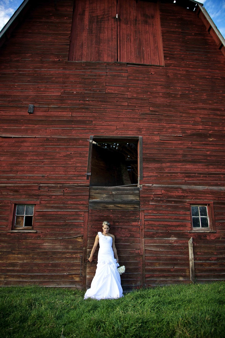 ...from a wedding we photographed last summer.... #bride #wedding #photography www.fraservisuals.com