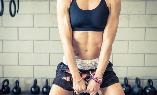 Dit blog gaat in op de negatieve effecten van droogtrainen op o.a. hormoonhuishouding, vruchtbaarheid en de nadelen van het bepalen van je calorie inname.