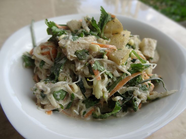 Raw Pad Thai but Different - I'll be teaching this in my Upcoming Raw Food Workshop on May 15 - http://rawfoodbali.com/raw-food-workshop-may-15th-2014/