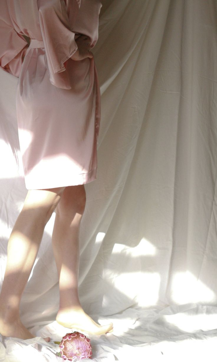 Sweet blush dreams, this dress has us smitten with its silky soft drapes in  our classic kimono cut. To be worn around th