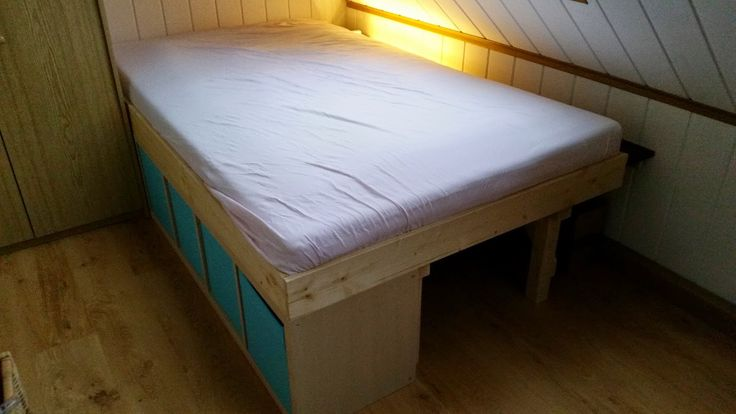 1 20m kallax bett ikea ikeahack kallax expedit bed james room pinterest ikea hacks. Black Bedroom Furniture Sets. Home Design Ideas
