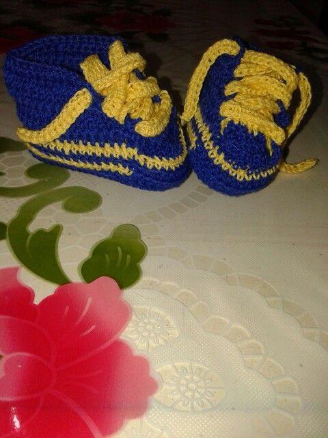 Zapatillas bebé al crochet boca